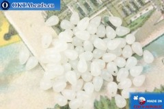 Чешские бусины капли белый опал (02010) 4х6мм, 10гр MK0521