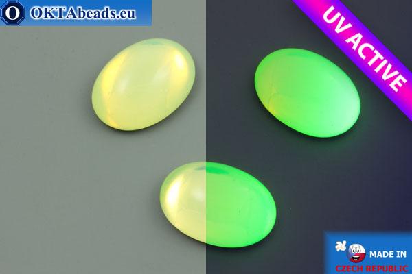 Чешский стеклянный кабошон зеленый опал УФ активный 18х13мм, 1шт GC062