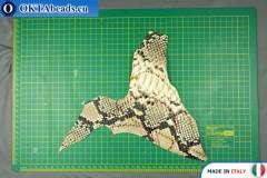 Telecí kůže hadí povrch, pevná ~ 0,8mm, 18,7g XL0257