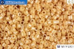 MIYUKI Beads Delica Ceylon Beige 11/0 (DB205)