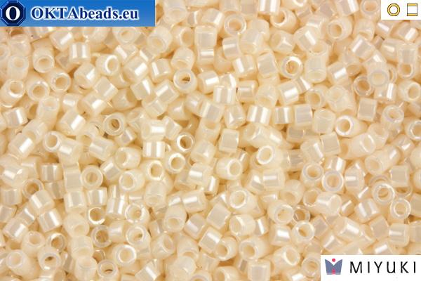 MIYUKI Beads Delica Opaque Bisque White Ceylon 11/0 (DB1530) DB1530