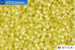 MIYUKI Beads Delica Silver Lined Light Yellow Alabastr (DB623) 11/0, 5гр DB623